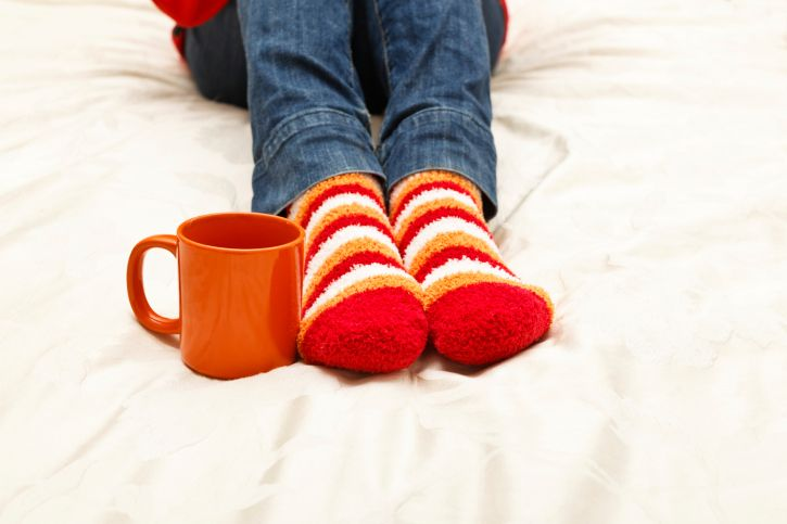 Mani e piedi freddi ecco alcuni rimedi naturali - Piedi freddi a letto ...