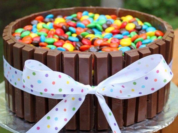 torta-kit-kat-con-nastro