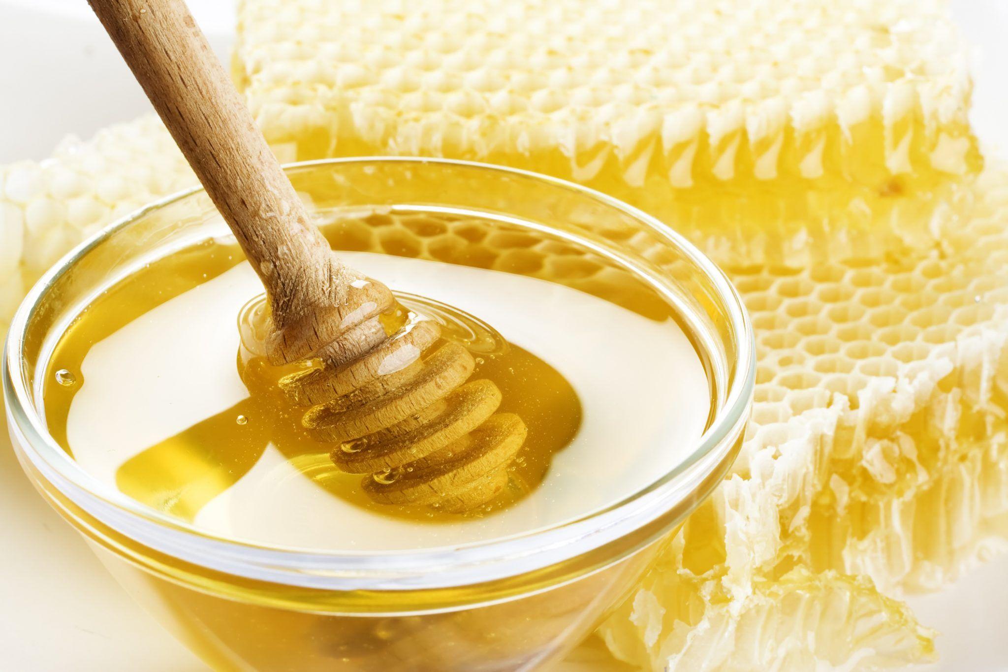 Gli usi alternativi del miele per la bellezza