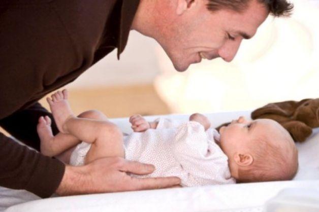 Quale-dovrebbe-essere-il-ruolo-del-papà-nella-crescita-del-neonato