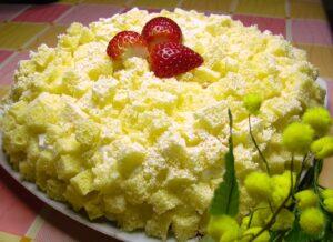 torta-mimosa-con-fragole-e-crema-chantilly_copertina