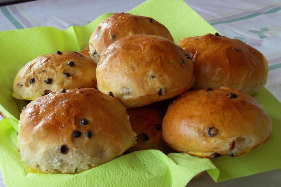 come-preparare-panini-al-latte-con-gocce-di-cioccolato_c90abe5878732e1feb7e15c1d035cec8