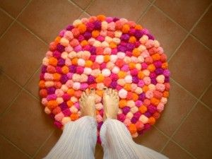 tessili-e-tappeti-tappeto-tondo-pon-pon-realizzato-a-15184639-dsc03427-jpg-d77c1c-a4353_570x0