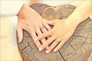 wedding-ring-tattoo-simple-design