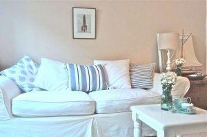 divano-bianco-shabby-chic