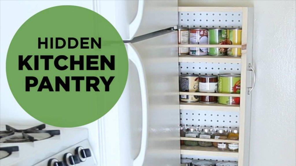 Una dispensa a scomparsa salva spazio fai da te per la tua cucina (tutorial)