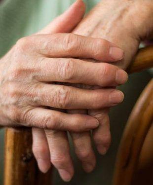 artrite-reumatoide-i-benefici-della-fototerapia